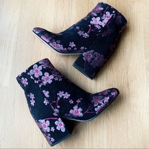 Sam Edelman Floral Booties Size 6